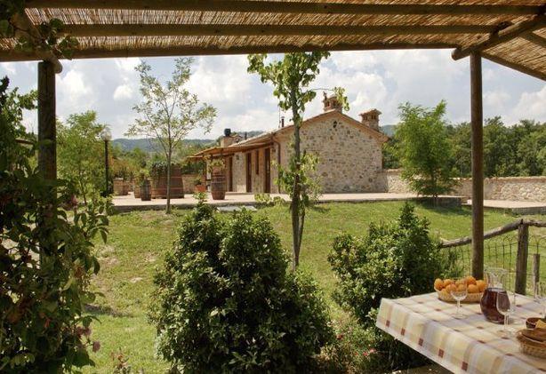 Agriturismo con 9 appartamenti piscina e ristorante - Appartamenti in montagna con piscina ...
