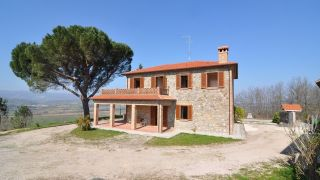 restored farmhouse with land in panoramic location