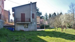 Monteleone d'Orvieto, independent house with garden