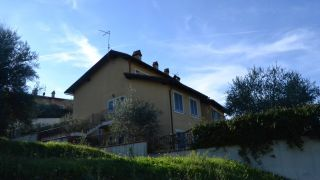 Cetona, townhouse in residential complex with shared pool