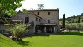 farmhouse with pool by the castle of Monterubello