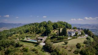 Perugia, exclusive villa, on a hilltop with views at 360°